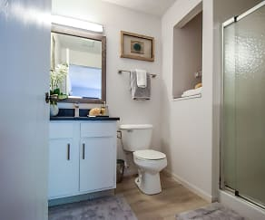 Bathroom, Enclave at Albany Park