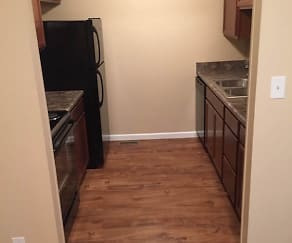 Kitchen, Trail's Edge Apartments