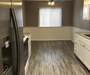 1216sqft 2X2 - Deluxe - Kitchen and Dining Area, Vintage at 50th