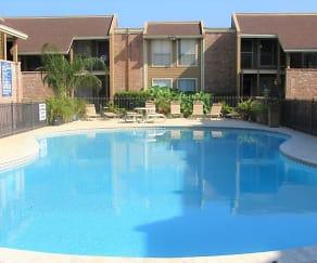 Pool, Briar Court