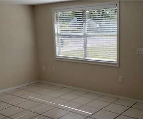 Dining Room, 38405 Jendral Ave