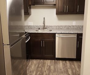 Kitchen, Cross Creek Apartments