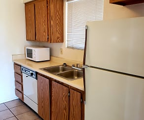 Kitchen, Silver Creek Apartments