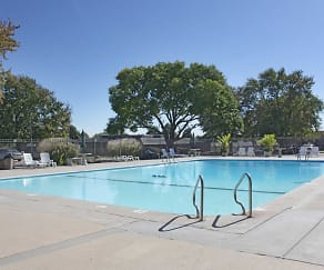 Pool, Appletree Apartments