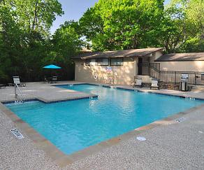 Pool, Preston Oaks