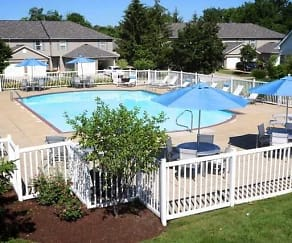 Pool, Mannington Place Townhomes