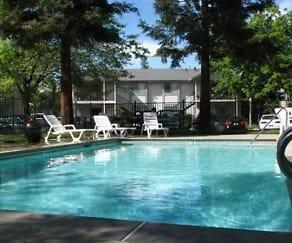 Pool, Redwood Cove Apartments