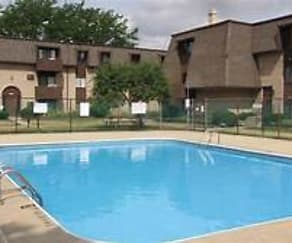 Pool, Ravenswood Apartments