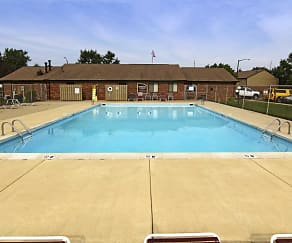 Pool, Creekside South