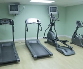 Fitness Weight Room, Briarlane Apartments