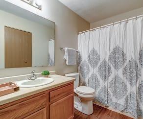Bathroom, Prairie Point Apartments