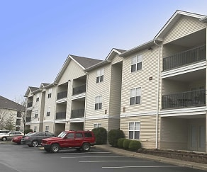 Building, Maple Brook Apartments