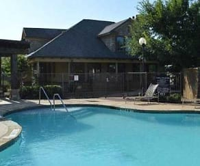 Pool, Providence Place II