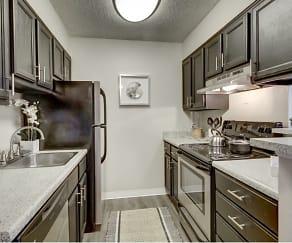 Kitchen, Advenir at Bear Valley