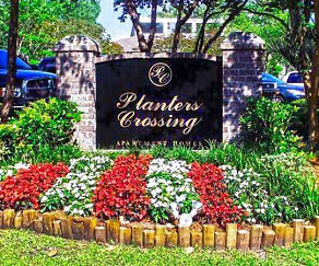 Community Signage, Planters Crossing Apartments