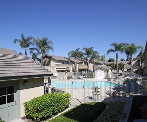 Pool, Windrose Apartments