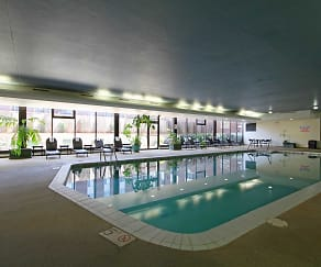 Pool, Woodsview Apartments