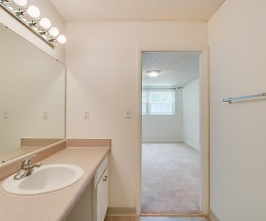 Bathroom, Hull Apartments