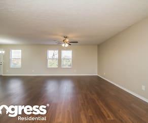 Living Room, 2745 Sutherland Dr