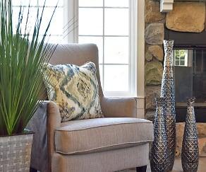 Lounge Area, Timberlane Apartments