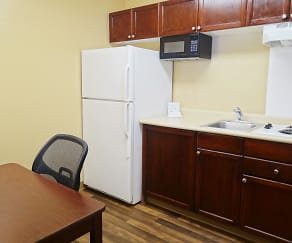 Kitchen, Furnished Studio - Phoenix - Chandler - E. Chandler Blvd.