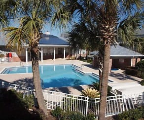 Pool, Hampton Oaks