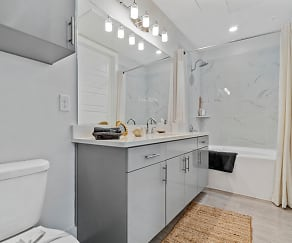 Bathroom, The Mansions at Mercer Crossing