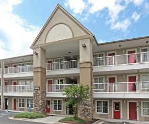 Building, Furnished Studio - Roanoke - Airport