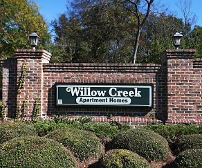 Community Signage, Willow Creek Apartments