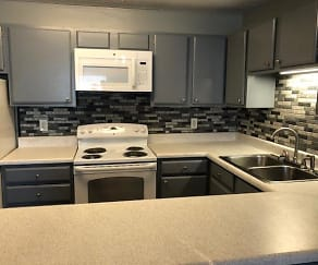 Custom tile backsplash, Willow Creek Apartments - Knoxville