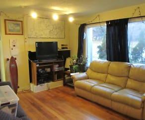 Living Room, 402 W College Street