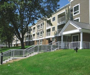 Grand Pre East Apartments, Roseville Area Senior High School, Roseville, MN