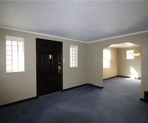 4413 W Run Rd, White Oak, PA