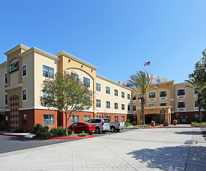 Building, Furnished Studio - Orange County - Huntington Beach