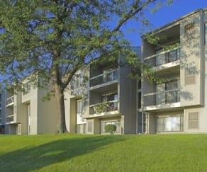 Building, Hunters Ridge