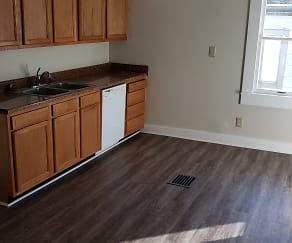 Kitchen, 268 Saunders Ave