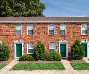 Woodbriar offers easy access to Powhite & Chippenham Parkway, Woodbriar