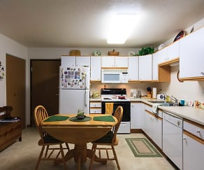 Kitchen, River Square Townhomes 55+