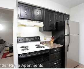 Kitchen, Thunder Ridge Apartments