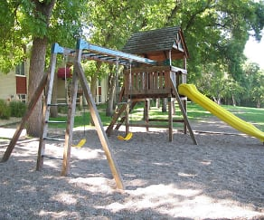 Playground, Johnson Parkway Apartments