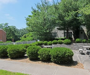 Building, Vail Manor-55+ Active Adult Community