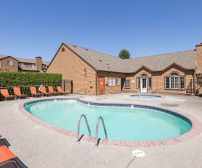 Pool, Renaissance At 29th