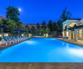 Pool, Mission Hills