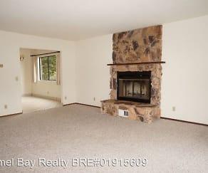Living Room, 400 Monroe