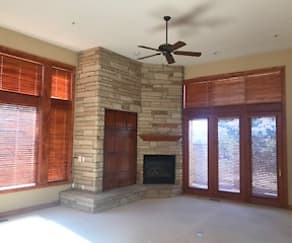 Living Room, 3318 Klondike Place
