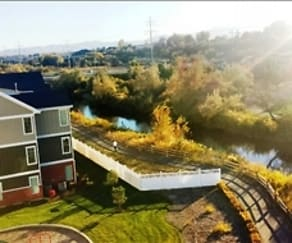 Riverwalk Luxury Apartments