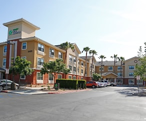 Building, Furnished Studio - Los Angeles - Simi Valley