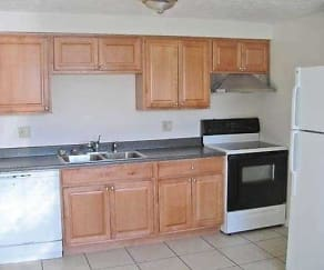 Kitchen, Barre Run Apartments