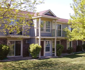 Building, Wood Creek Apartments
