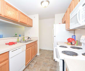 Kitchen, South Pointe Apartments
